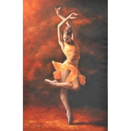 Балерина в оранжевом